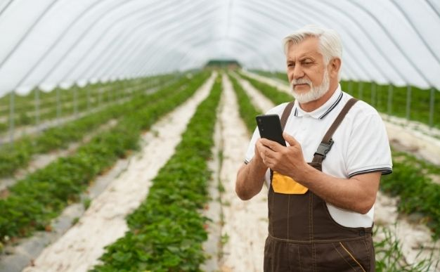 Best Gifts For Farmers - Mobile Phone