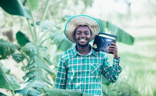 Best Gifts For Farmers - Radio